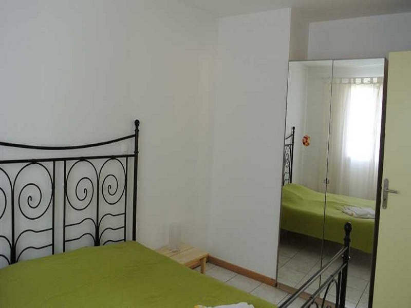 bedroom tournesole.jpg